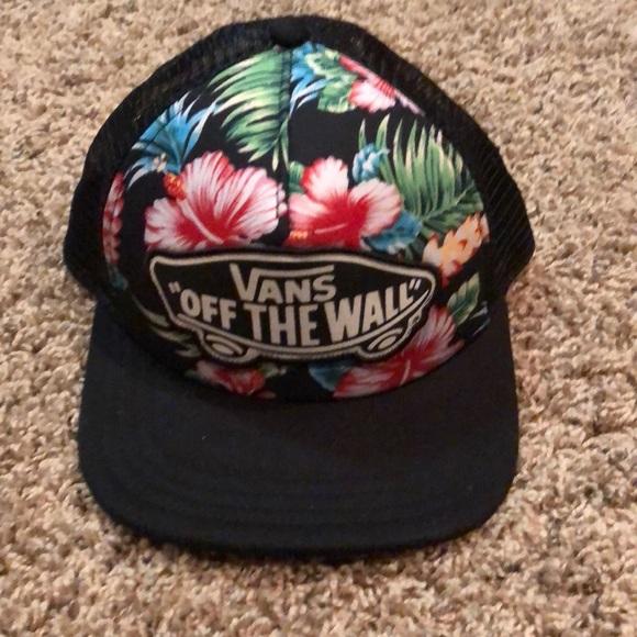 Black Hawaiian vans trucker hat. M 5a3895eca44dbe4ac7012c4d 653d281e4eb